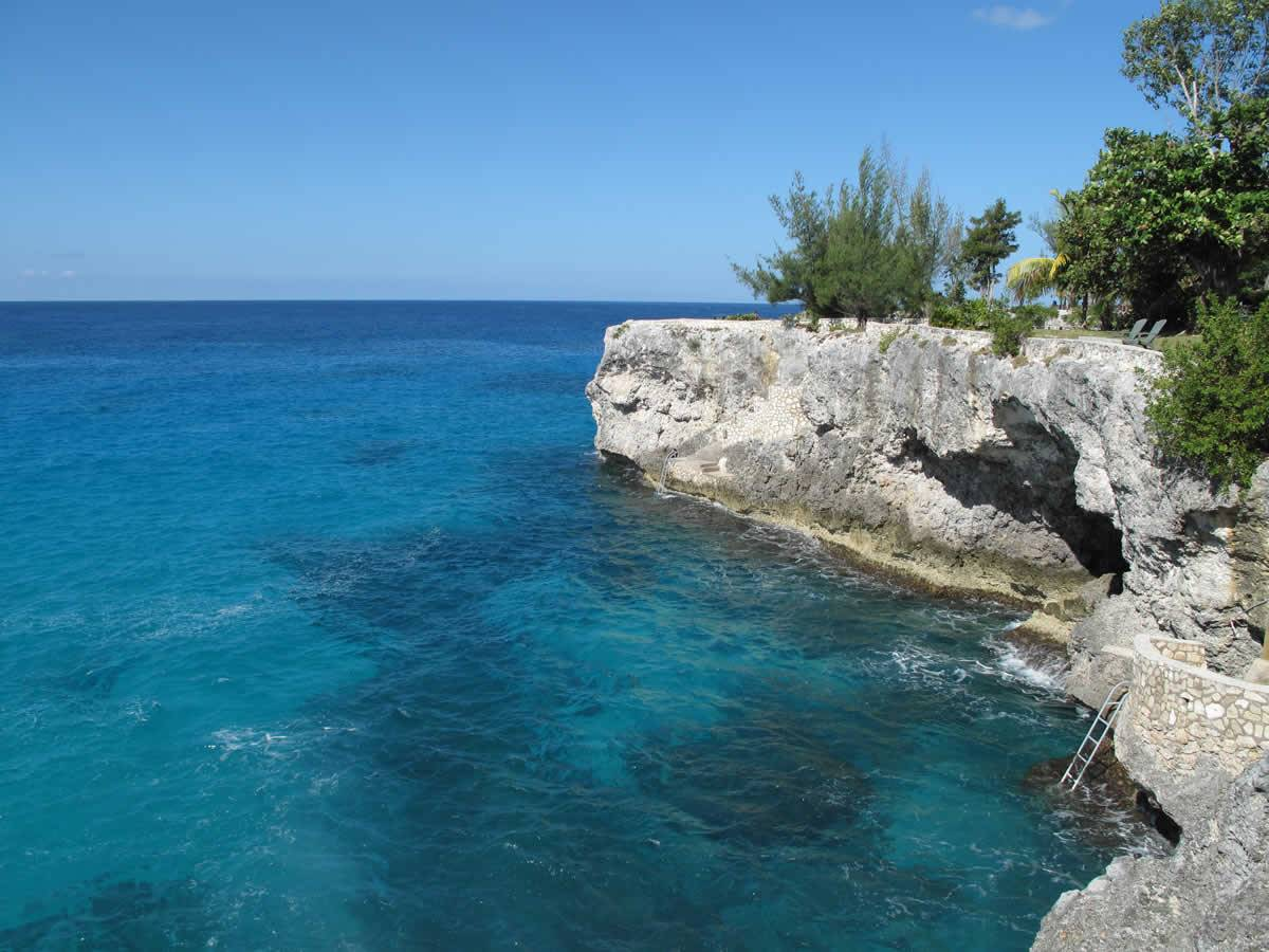 Kingley's Take Care Tours - Negril Cliffs